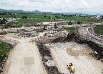 Construcción y mantenimiento de aeropuertos, carreteras, caminos y urbanización (1)